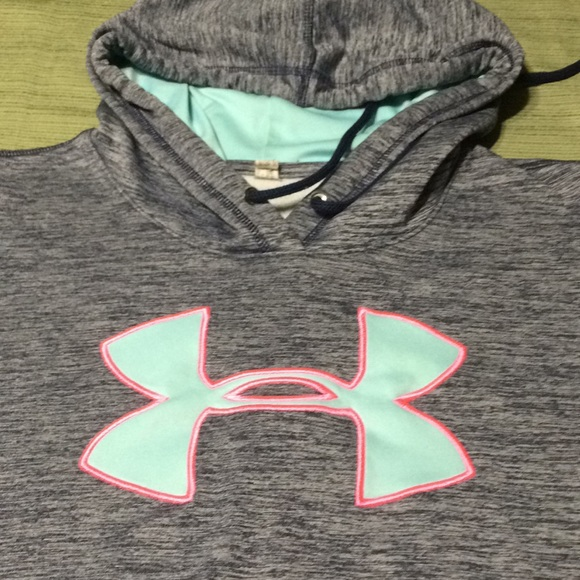 Under Armour Tops - UNDER ARMOUR BEAUTIFUL HOODIE GOOD CONDITION